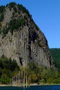 Rock Climbing Photo: South Face of Beacon Rock