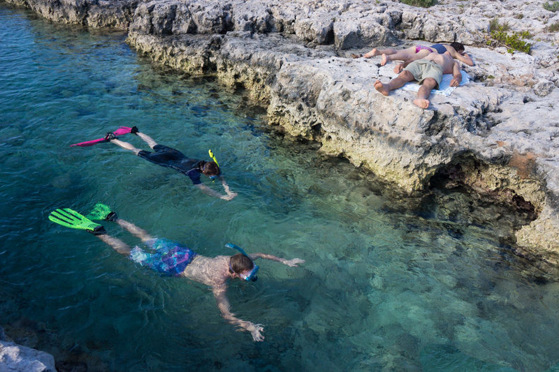 Two minutes from Dixon's Wall, Sylvia's Reef is a great way to loosen up, or just pass-out, after a hard day of climbing.