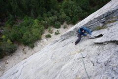 Rock Climbing Photo: Giving the scary flakes at the top of pitch 3 a li...