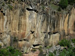 Rock Climbing Photo: Start at the left edge of the red soil and drift r...