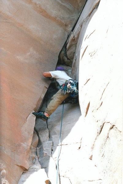Rock Climbing Photo: Starting up the stunning corner.