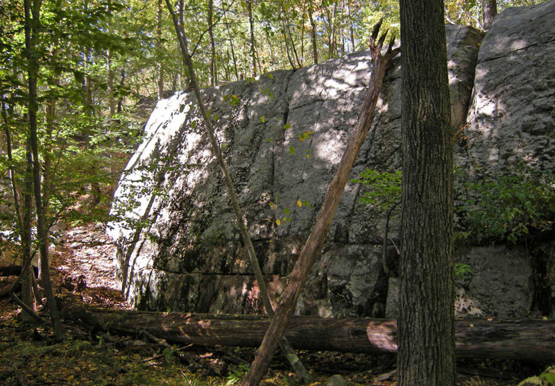 Rock Climbing Photo: Swamp King approach from East