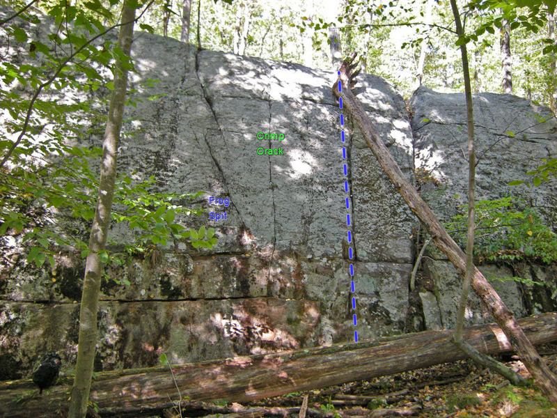 Rock Climbing Photo: Moat 'Fo on right side of Swamp King wall