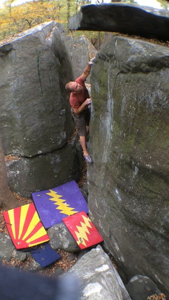 Rock Climbing Photo: Crossing over near the end