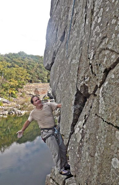Rock Climbing Photo: Dave Rockwell starts up his 'Center Ring.'