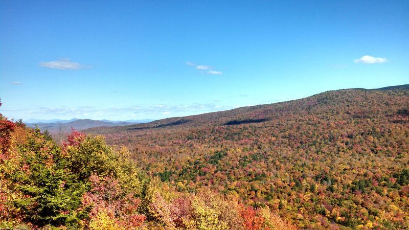 Top of P1 of Sole Fusion, Sugarloaf mountain. ADK in the fall, yet again.