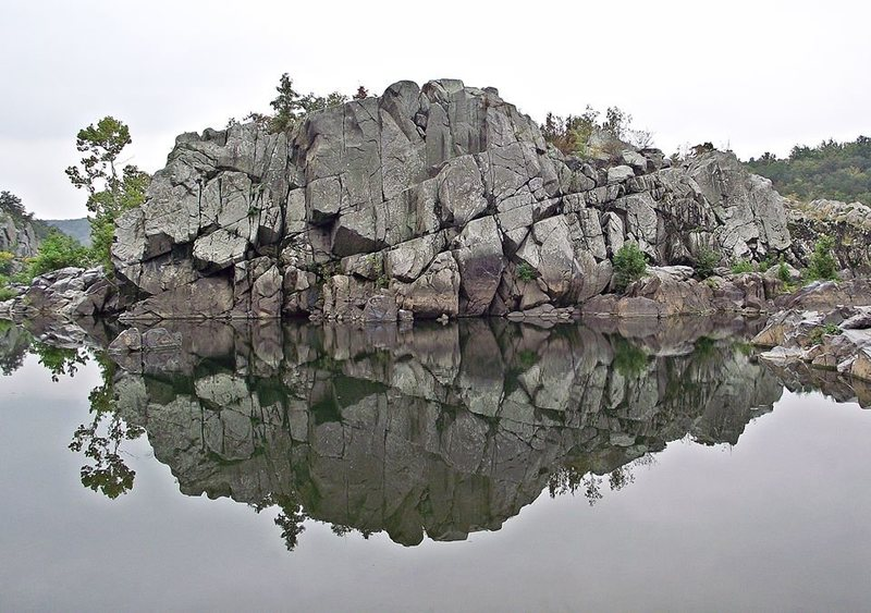 Rock Climbing Photo: The Rocky Island's 'North Wall' on a grey calm day...