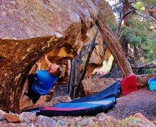 Rock Climbing Photo: Start beta of Crossing the Pretend.
