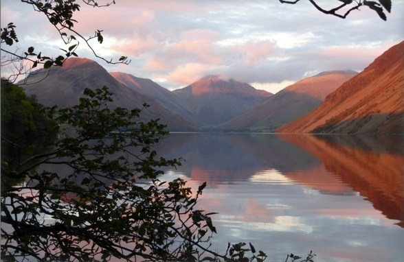 Rock Climbing Photo: Evening light on  Wasdale Lake . Looking towards G...
