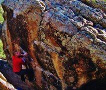 Rock Climbing Photo: Cranking through the big, diagonal move on Vampiri...