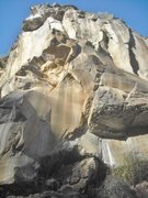Rock Climbing Photo: Route starts at the left edge of the roof and zig ...