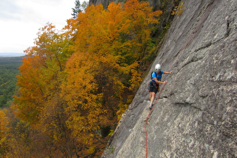 Yet another traverse pic, at peak foliage. Never tire of this little route.