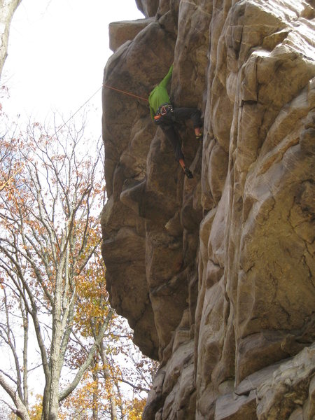 Rock Climbing Photo: Under the roof on The Battlefield, before traversi...