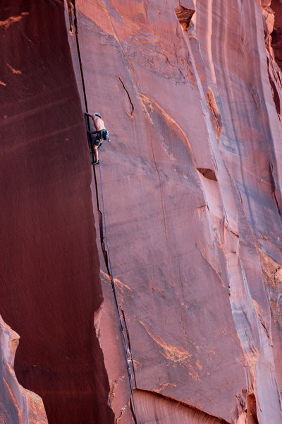 Zack Nadiak sending it up the bomber hands section of the Unamed 5.10