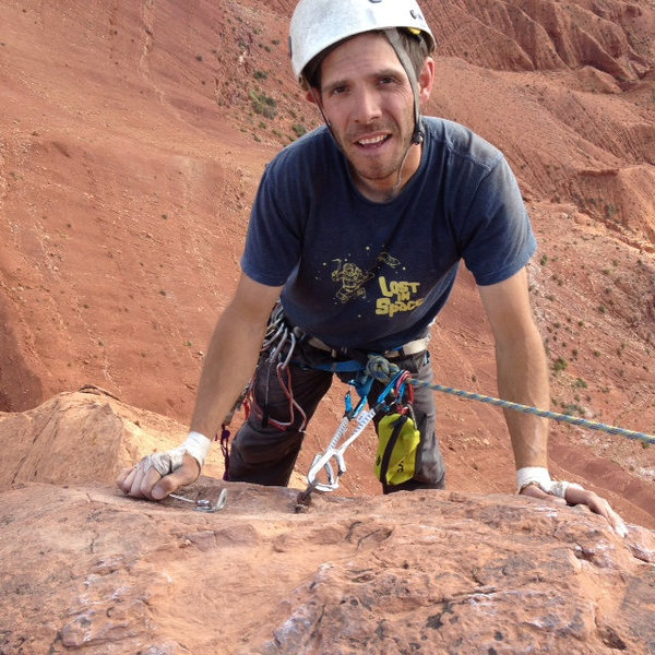 Tim Foulkes replacing a 1/4 inch bolt on the last pitch of Jah Man. Somebody buy that guy a dank soda!