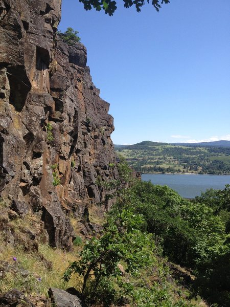 Rock Climbing Photo: Looking from the end of the approach trail, right ...