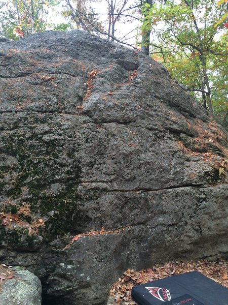 Rock Climbing Photo: Jockey Cap Boulders. Pad is under a V-easy warm up...