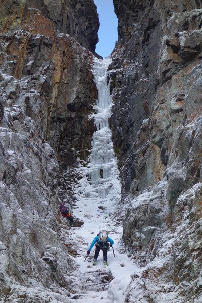 Rock Climbing Photo: Jaaron Mankins and Beth Goralski on the approach.