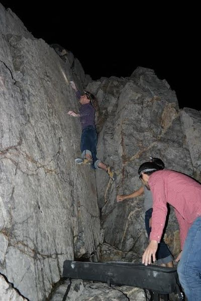 Climb up the crack, and use the crimps!