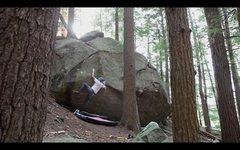 Rock Climbing Photo: Crimping hard on the shallow pocket on 'Bloody Bat...