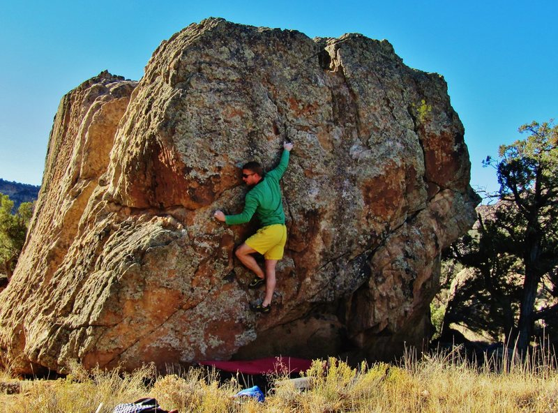 Rock Climbing Photo: Using the right hand pinch to settle the feet on C...