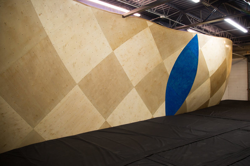 The Vert Wall, 600+ ft² from Vertical Solutions. Concave and convex waves.