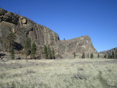 Rock Climbing Photo: South Canyon (left) and SE Buttress of the Main Ca...