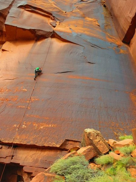 Chuck Becker on Cat Burglar, Cat Wall / Indian Creek<br> Photo: Nathan Scherneck