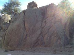 Rock Climbing Photo: Large boulder in the wash to the West. Routes unkn...