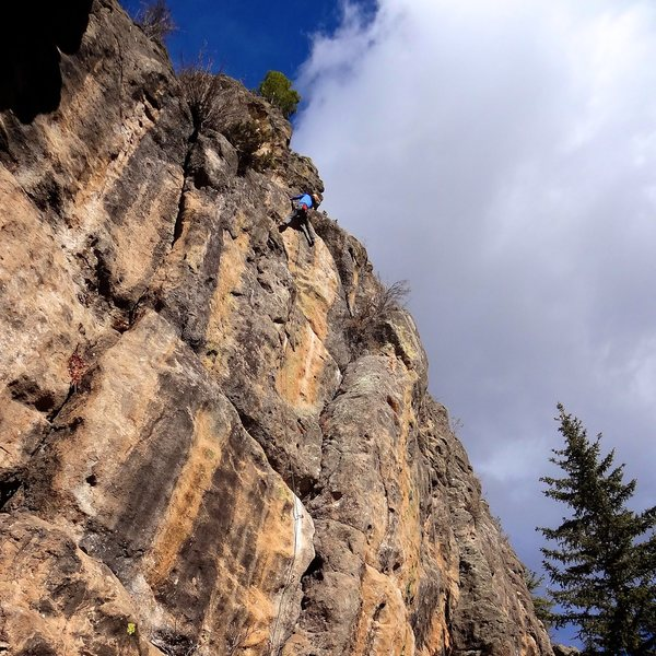 Rock Climbing Photo: The final moves to the anchors. Beautiful wall. No...