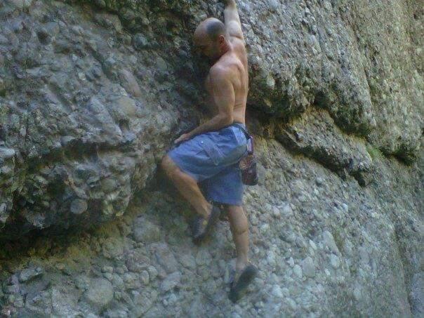 Rock Climbing Photo: Cruiser start a few feet right.