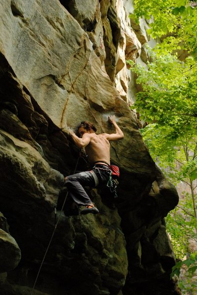 Henry Robinson just before the crux of Undertow 5.12a
