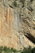 Rock Climbing Photo: Right down the middle, the white tufa.