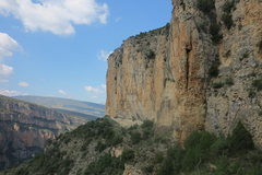 Rock Climbing Photo: Around the corner. There were bolts but I have no ...
