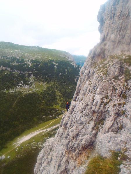 Rock Climbing Photo: The 60 meter traversing pitch