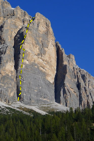 A photo from another climber on this site borrowed here to draw in the route (it was pouring rain most of this summer).