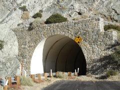 Rock Climbing Photo: The 1st tunnel.