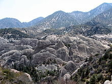 Rock Climbing Photo: Devil's Punchbowl.