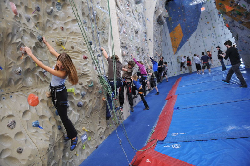3D and State of the Art Pyramide climbing walls