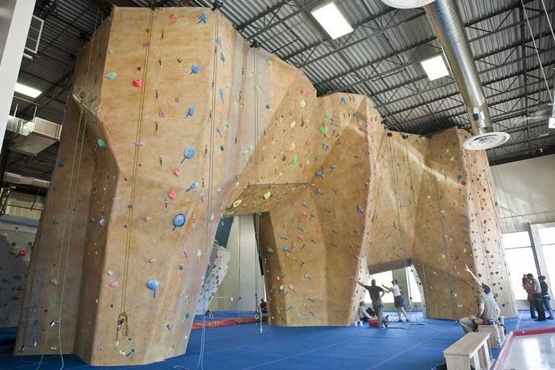 Large climbing gym with open concept payout