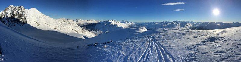 Big mountains and good skiing!