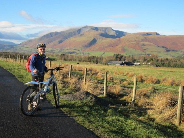 Rock Climbing Photo: More Biking .. Blencathra Mt in background Lake Di...