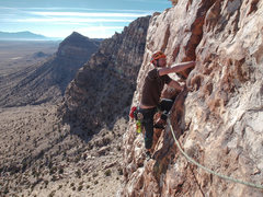 Rock Climbing Photo: Coming to the anchors on P1