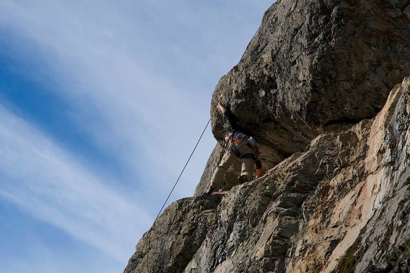 Darryl unclipping the traverse bolt on TR (Photo: Trish Davidson)
