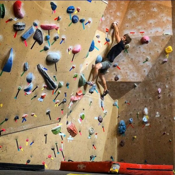 V2 Boulder Problem - Getting better with every visit to the Durango Rock Lounge -