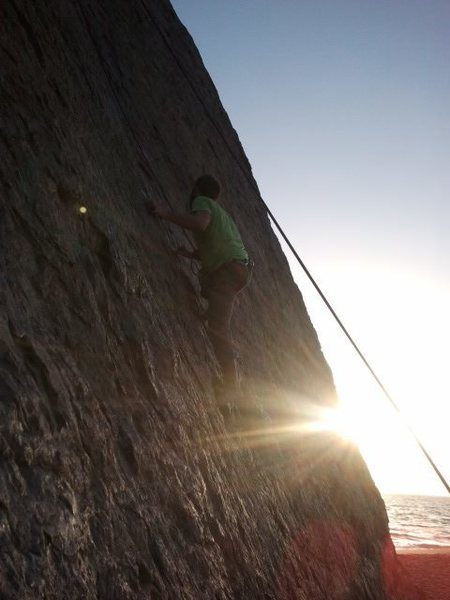 Rock Climbing Photo: Climbing Pt Dume. Climbing hillbilly style to rep ...