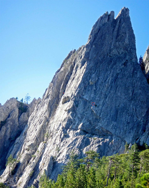 Rock Climbing Photo: Red circle is the 3rd belay, two people at the bel...