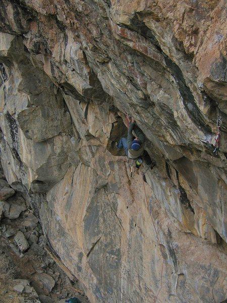 Rock Climbing Photo: Mid-crux.