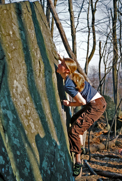 Rock Climbing Photo: Shannon on Gumball V4 at Haycock Mountain, PA. Apr...