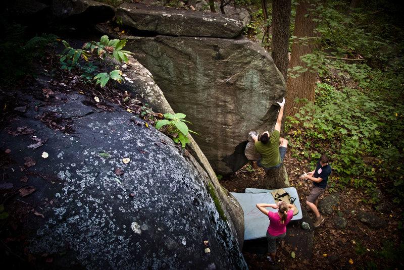 Rock Climbing Photo: A-Dog on The Fin V1 at the Glass Wall, Nockamixon,...